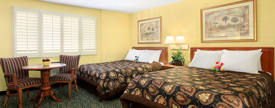 Deluxe Room with 2 Queen Beds at Del Sol Inn, California